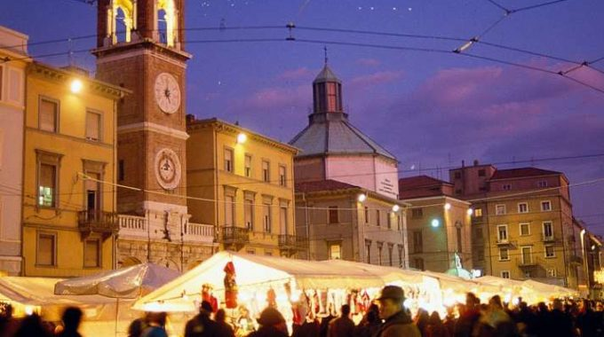 Mercatini Di Natale In Piazza Tre Martiri